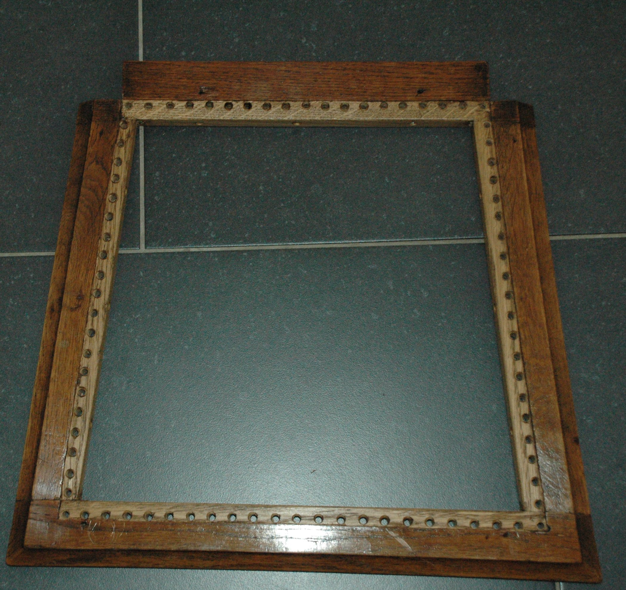 nieuw frame met gaatjes geplaatst