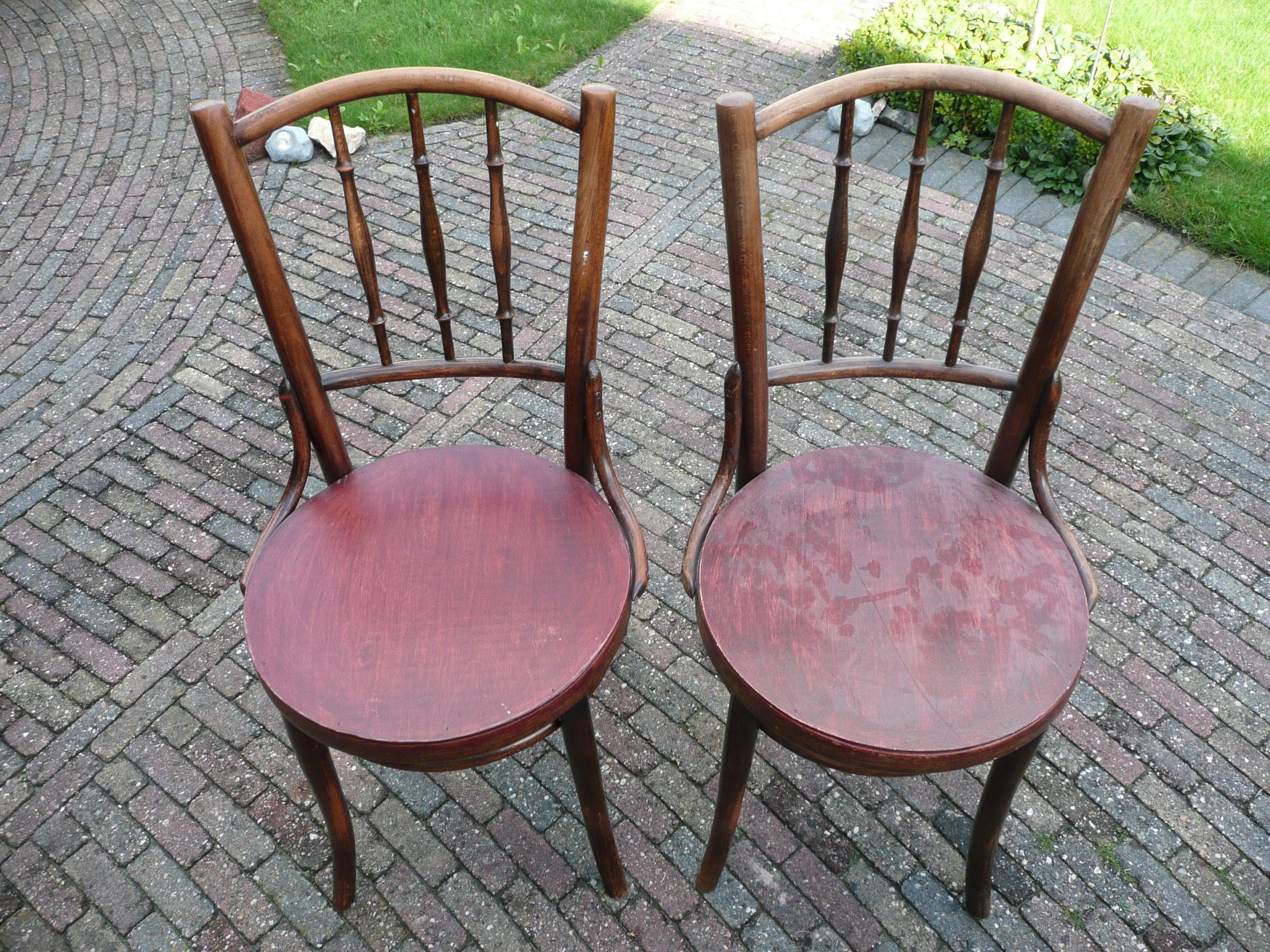 Thonet stoelen voor de restauratie